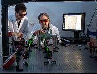 Friedrich Alexander Universität Erlangen Nürnberg Optical Imaging Center Wissenschaftler Laser Labor Wissenschaftler Ralf Palmisano Tristan Nowak
